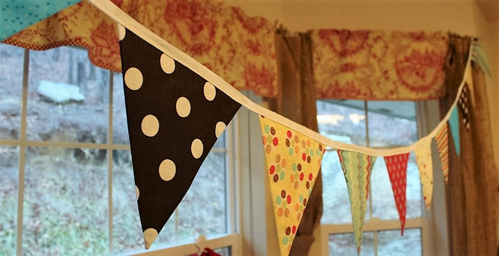 Fabric Bunting How to from Whitney Sews